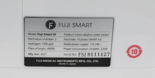 Chỉ số hydro thật 1300 ppb của máy tạo nước ion kiềm Fuji Smart i9 được in nhãn trực tiếp trên máy.