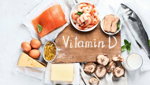 Có nên ăn thực phẩm giàu vutamin D trong mùa dịch covid 19 không?