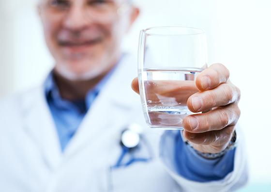 sử dụng nước ion kiềm chữa bệnh