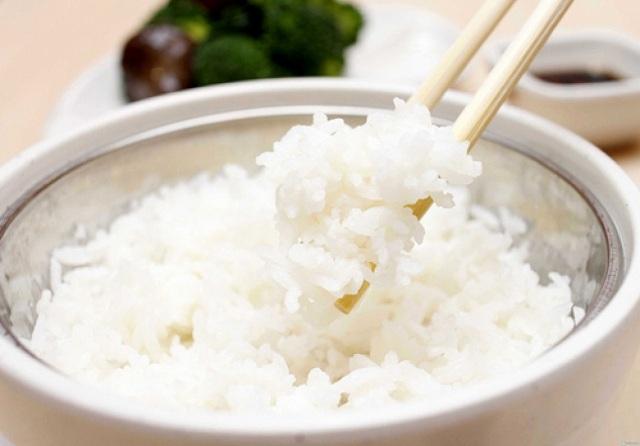 Cơm nấu bằng nước ion kiềm có độ kết dính cao, dẻo và thơm