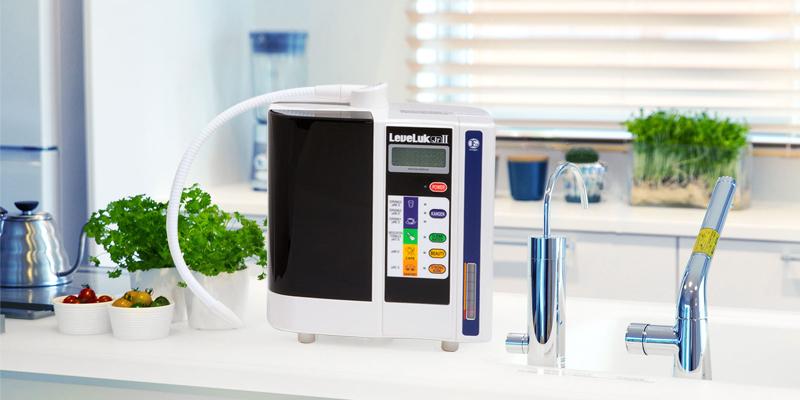 Máy lọc nước ion kiềm kangen phù hợp cho hộ gia đình ít người (1-3 người). Gia đình yêu thích Kangen - Enagic nhưng muốn tiết kiệm tối đa chi phí