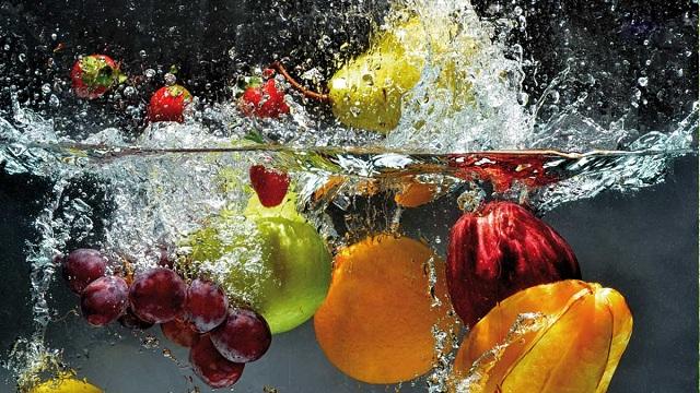 Nước ion kiềm mạnh dùng để ngâm và rửa rau củ quả