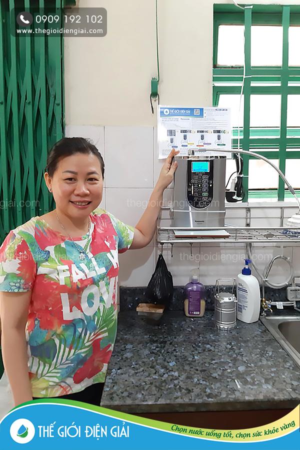 Gia đình chị Hồng ở Bình Dương đã sử dụng máy điện giải Panasonic TK-AS66