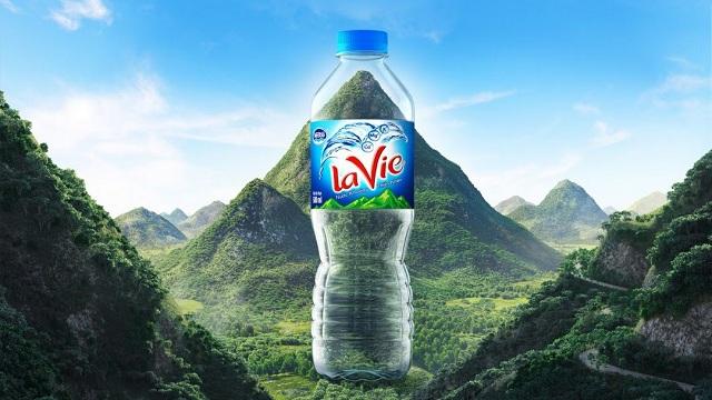 Lavie là thương hiệu nước khoáng được yêu thích không kém Aquafina