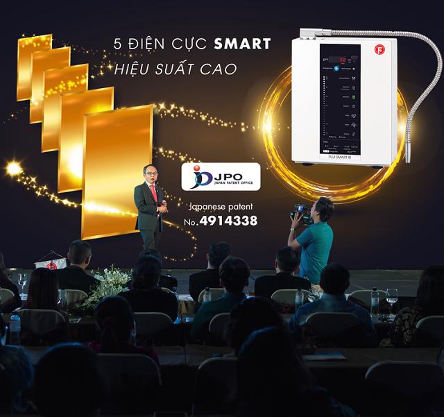 CEO Fuji Việt Nam - ông Lê Văn Như Hải trong lễ ra mắt máy điện giải nước ion kiềm Fuji Smart