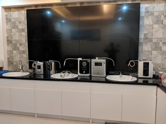 Showroom mới Quận 7 bắt kịp xu hướng 2019 - 2020, cập nhật các mẫu máy lọc nước điện giải đẳng cấp và thông minh.