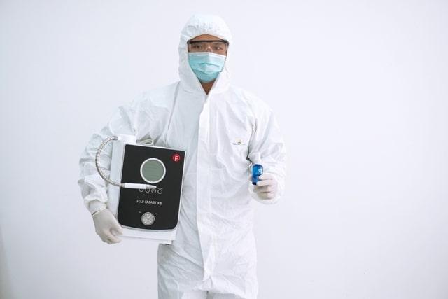 Nhân viên kỹ thuật cam kết tuân thủ quy trình phòng dịch của công ty, tránh các nguy cơ lây nhiễm cho khách hàng.