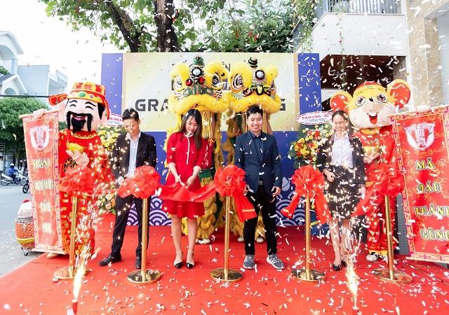 Thế Giới Điện Giải vinh dự tiếp đón ông Lê Đức Phú - chủ tịch Hiệp hội nước ion kiềm cắt băng khánh thành showroom điện giải cao cấp nhất miền Trung