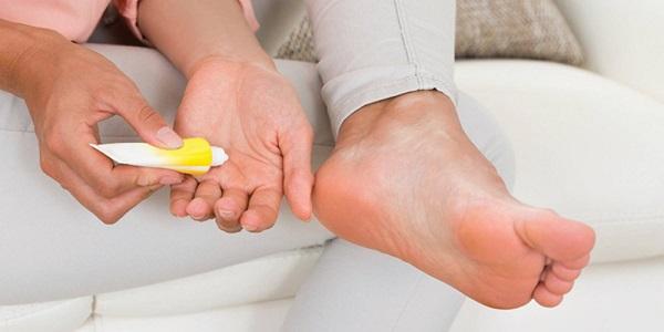 Biến chứng hoại tử bàn chân ở bệnh nhân tiểu đường 3