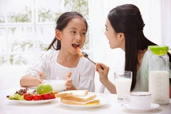 bữa sáng cho trẻ theo độ tuổi