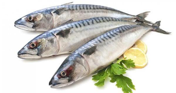 hãy ăn nhiều cá để bổ sung chất điện giải tự nhiên cho chơ thể