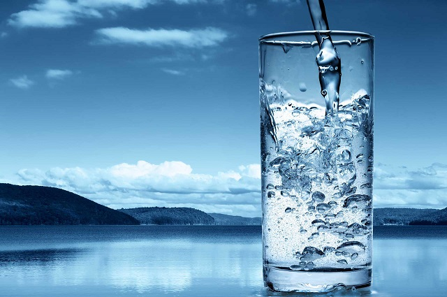 Nước ion kiềm giàu Hydro chứa chất chống oxy hóa, loại bỏ các gốc tự do và phòng chống các bệnh nguy hiểm do rượu bia gây ra