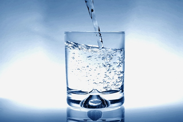 Nước ion kiềm được tạo ra từ máy điện giải giàu vi khoáng tự nhiên