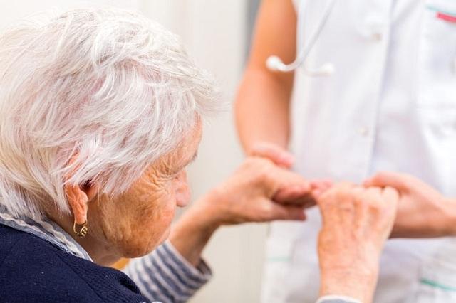 Trung bình mỗi người cao tuổi có thể mắc từ 3 – 5 bệnh mạn tính khác nhau