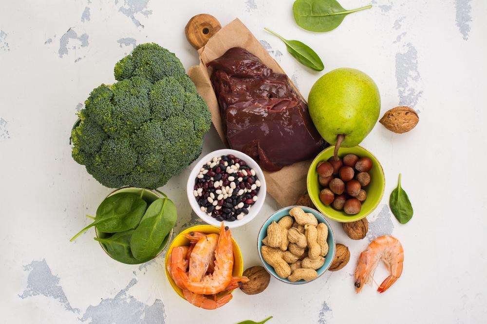 rau có chứa nhiều vitamin b9 bạn nên ăn để trị táo bón
