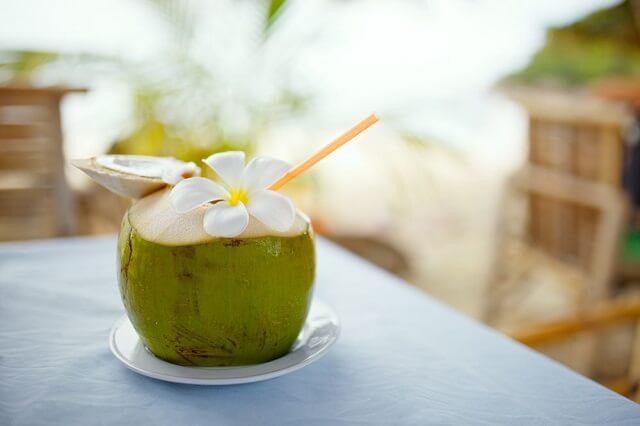 Tác dụng của nước dừa tươi với sức khỏe