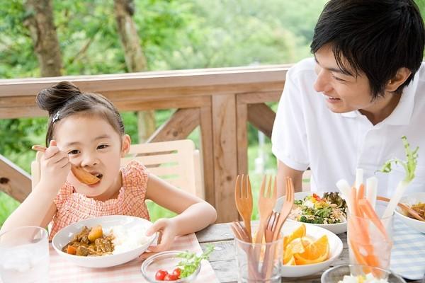 chế độ ăn của trẻ