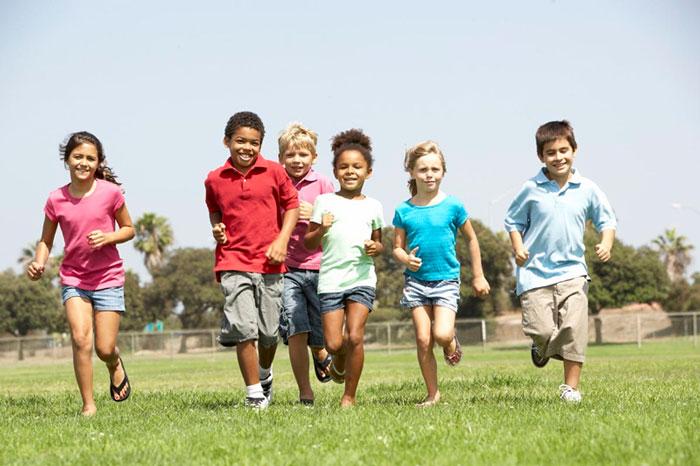 trẻ em cần tập thể dục