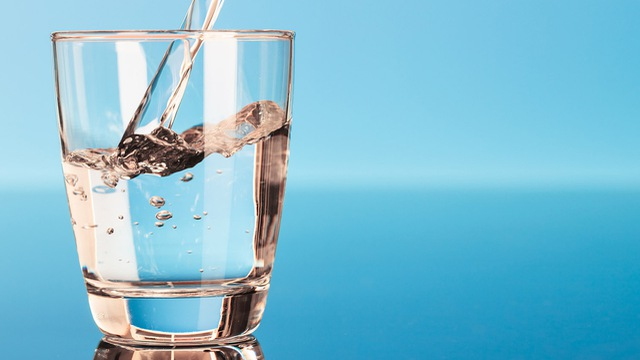 Uống nước ion kiềm là 1 trong những cách đơn giản nhất để bảo vệ cơ thể, tránh bệnh tật