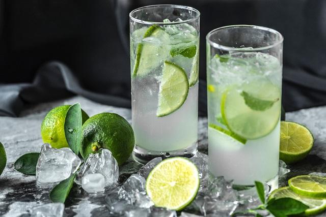 Nước chanh là thức uống khát và thanh lọc độc tố trong cơ thể