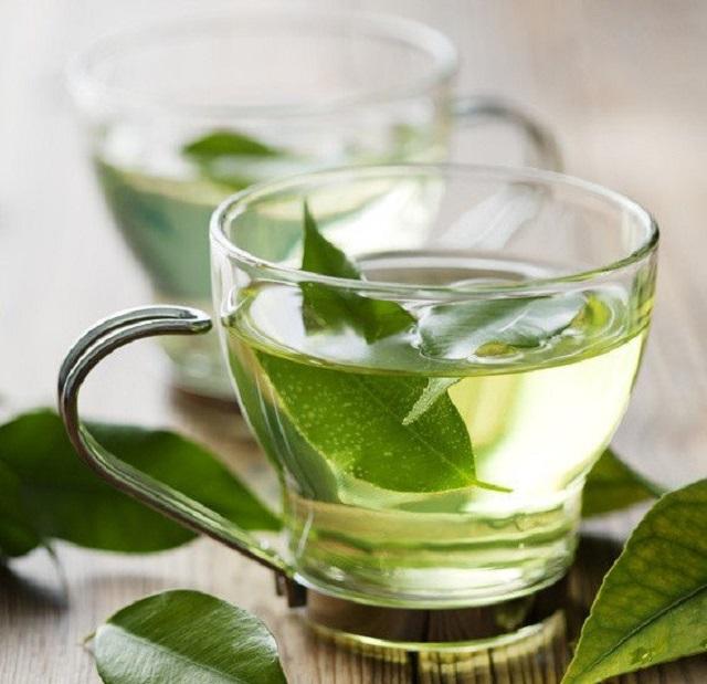 Trà xanh cung cấp chất chống oxy hóa cao giúp bảo vệ gan