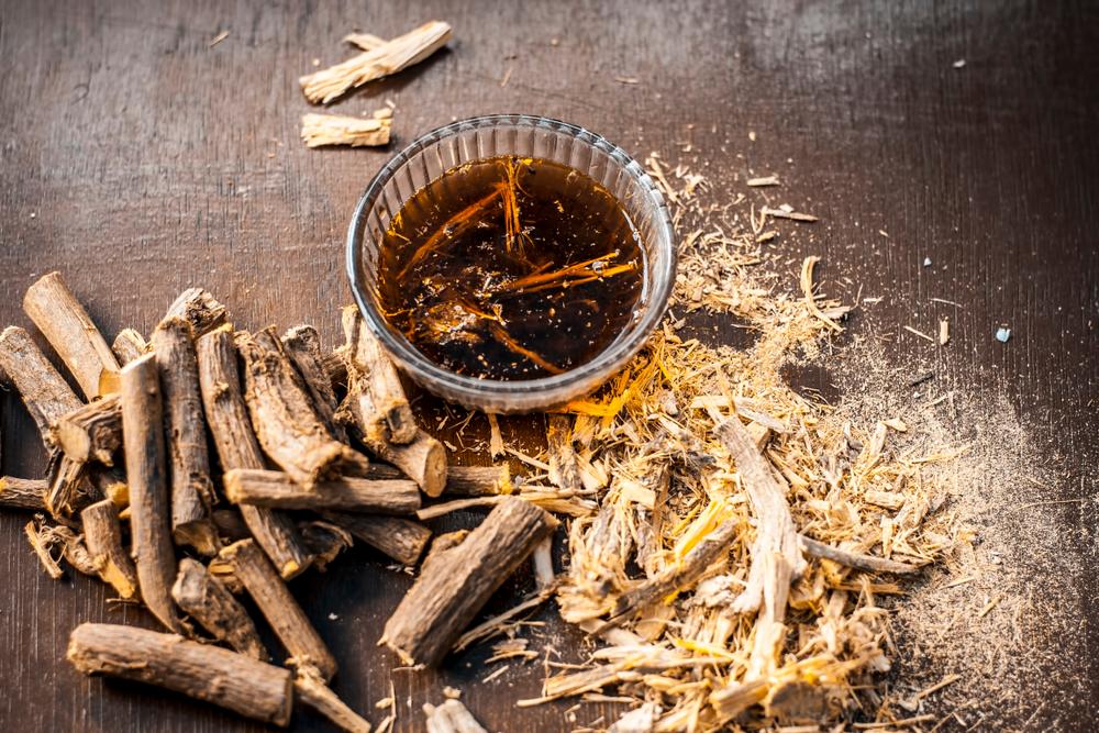 Chất glycyrrhizin có trong cam thảo làm nhẹ dịu dạ dày và tăng hệ tiêu hóa