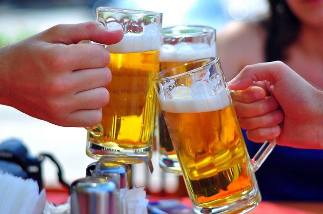 Thức uống có cồn có thể làm bệnh tình càng nghiêm trọng