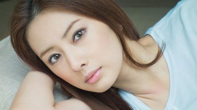 Đậu đen giúp phụ nữ có một làn da mịn màng, trắng mịn hơn