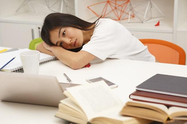 Mệt mỏi là biểu hiện thường gặp khi mất nước điện giải