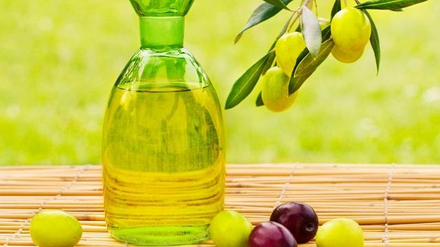 Ô liu là loại tinh dầu có nhiều lợi ích tốt cho sức khỏe