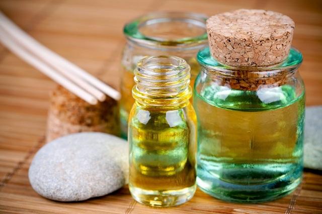 Tinh dầu hương thảo giúp làm dịu cơn đau hiệu quả