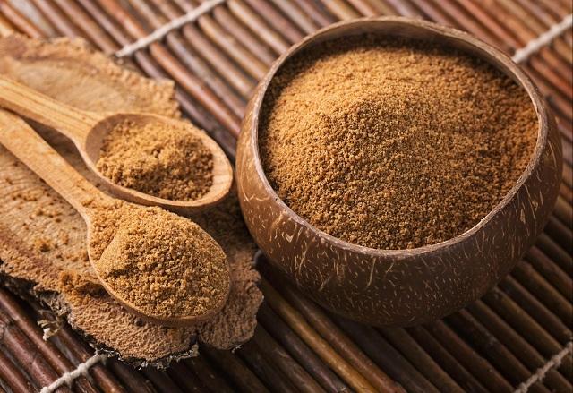 Đường dừa cũng là chất ngọt có lợi cho sức khỏe nhưng không nên lạm dụng