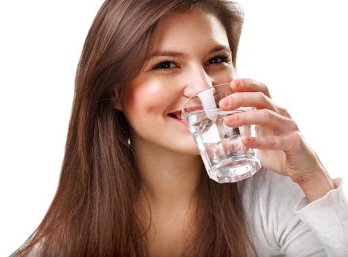 Tìm hiểu nước pi là gì? Nước pi có phải là nước điện giải ion kiềm không?